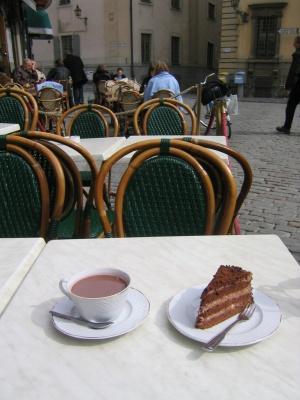 stockholmhotchocandcake.jpg