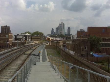 overground-hoxton-city.jpg